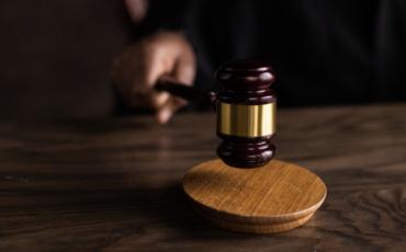 La Audiencia Provincial de Navarra extingue la pensión de alimentos de una hija mayor de edad que no quería relacionarse con su padre